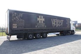 camion du hellfest source photo: plp publicité